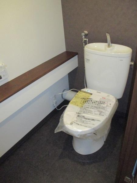 TOTOの腰掛式便器『ピュアレストEX(手洗器付き)』