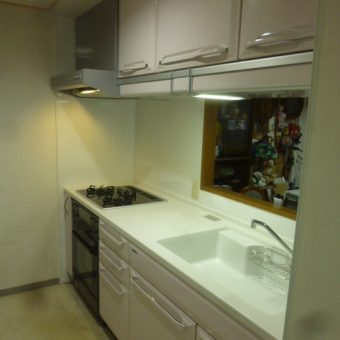 美しく使いやすいデザインのシステムキッチン 恵庭市マンション