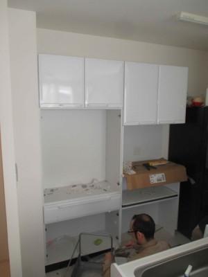 施工中食器棚