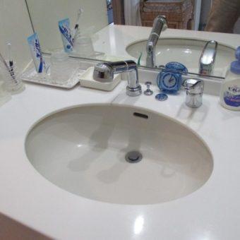 水栓交換もお任せ下さい!洗面化粧台水栓交換 札幌市