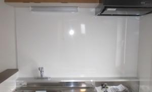 施工後キッチン リテクト