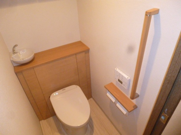 TOTOトイレ『レストパル(壁排水)』I型手洗い器付き