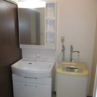 タカラホーロー洗面化粧台『オンディーヌ』で汚れもひと拭き!北広島市