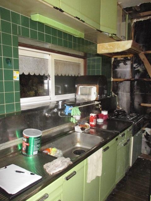 緑カラーのキッチンセクショナル