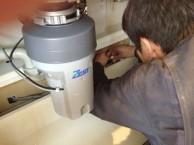食洗機 給排水接続中