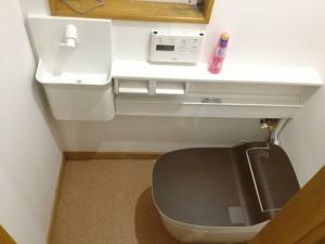 給排水統合型でスッキリ タンクレストイレへリフォーム 札幌市