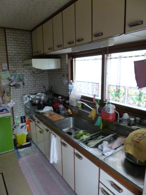 セクショナル施工前キッチン