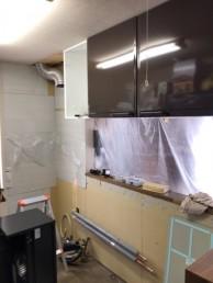 キッチン施工中