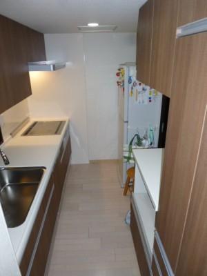 施工後キッチン・食器棚