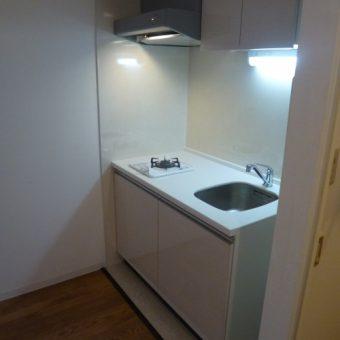 オーダー製作ミニキッチンで賃貸マンションに快適をプラス!札幌市