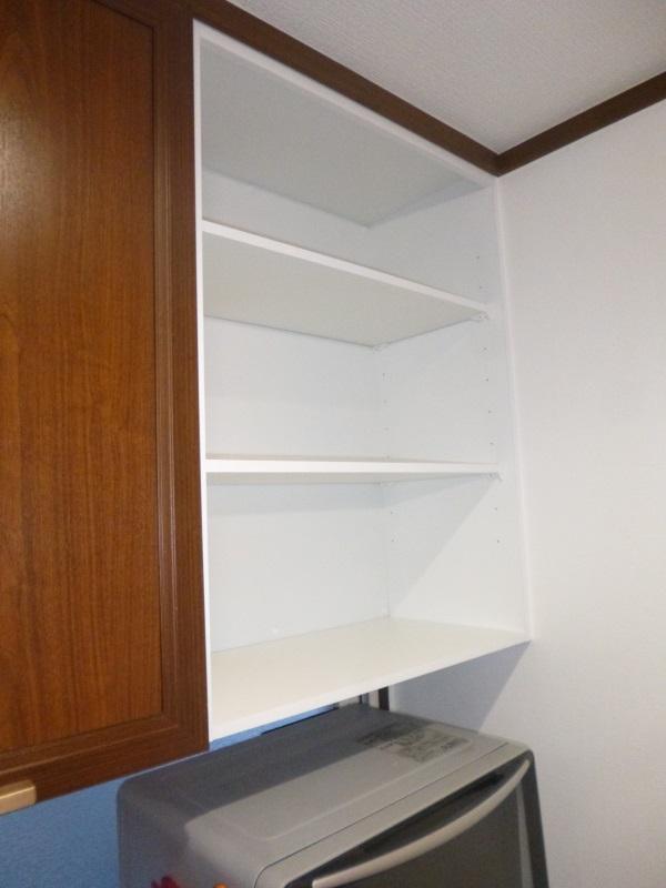 食器棚吊戸オープン