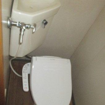 トイレに温水洗浄便座、押し入れにステンレスパイプで快適プラス!札幌市