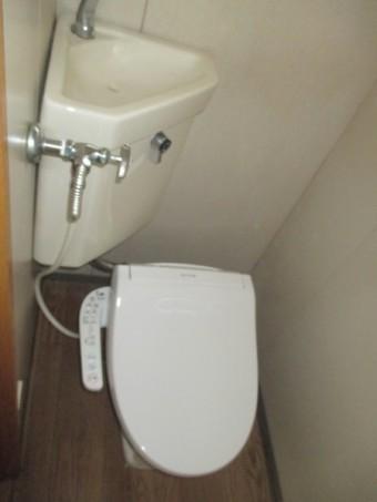 三栄水栓製の温水洗浄便座「シャワンザ」