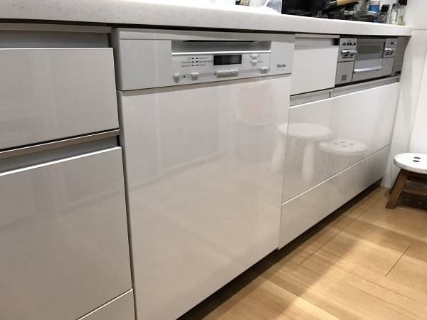 ドイツ・ミーレ(Miele)のドア材取付専用タイプの食器洗い機