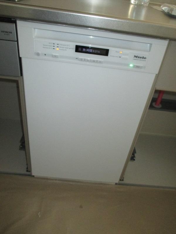 ドイツ・ミーレ ドア装備タイプ ブリリアントホワイト食器洗い機