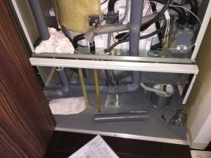 電気温水器を解体・撤去