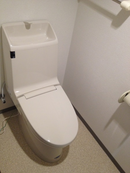 LIXIL INAXのシャワートイレ アメージュZ