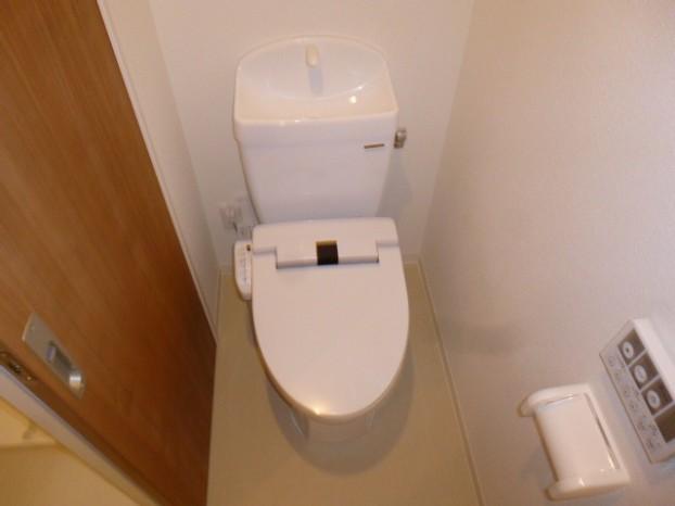 タカラスタンダードの温水洗浄暖房便座付の『ティモニSシリーズ』