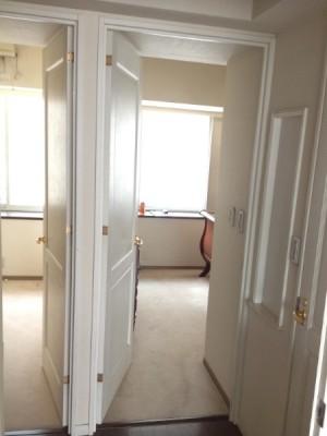 施工前洋室二部屋