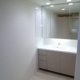 たっぷり収納のワイドなオーダー洗面化粧台 札幌市マンションリノベーション