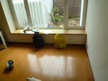 窓カウンター木目