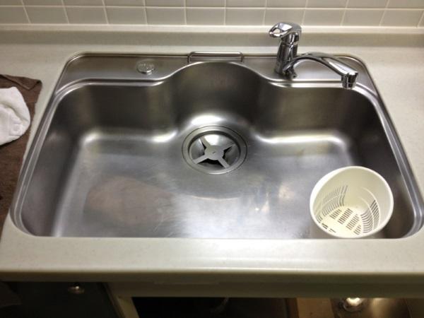 キッチンの水栓移設