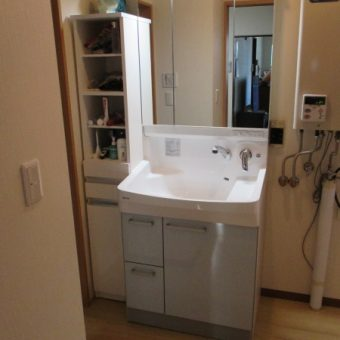 札幌市中央区戸建住宅 クリナップの洗面化粧台へリフォーム