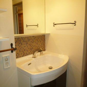 札幌市厚別区 インテリア調のおしゃれな洗面所に!