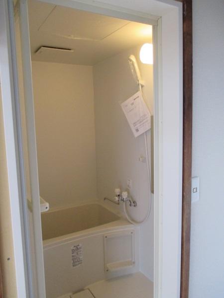 LIXILの集合住宅用ユニットバスルーム『BWシリーズ』/1115サイズ