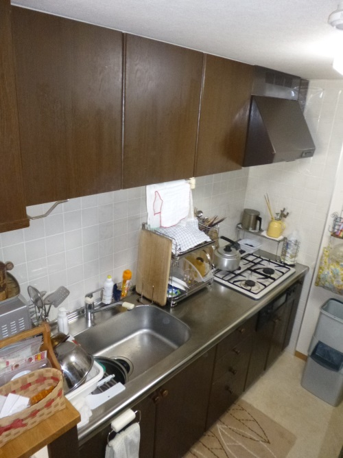施工前木製システムキッチン