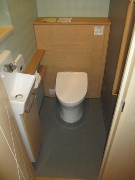 TOTO収納付き住宅用トイレ『レストパル(壁排水/L型)』