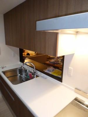施工後キッチン キッチンパネル:アイカ工業のセラール