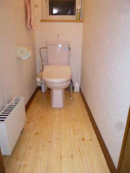 1施工前2Fトイレ