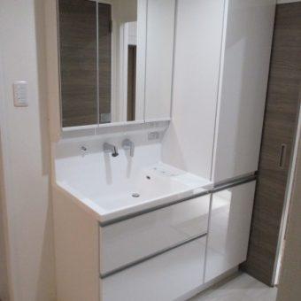 タカラ木製洗面化粧台「エリシオ」で収納アップ! 札幌市マンション