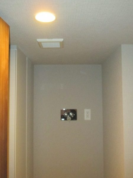 1施工前洗濯置き壁