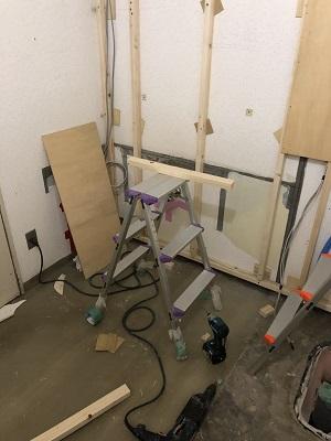 施工中 トイレ掃除用流し