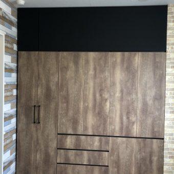 オフィス向け大型壁面収納、一部黒板として使用します!札幌市