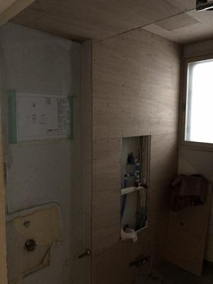 施工中 トイレ壁 下地