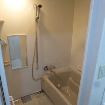 シンプル清潔バスルームリフォーム施工事例!札幌市マンション