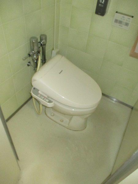施工前洋式トイレ