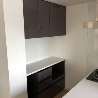オーダー食器棚、オーダー吊戸棚で限られたスペースに快適な収納を!札幌市マンション