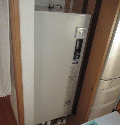 施工前電気温水器パナ