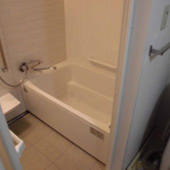 『伸びの美浴室』でシンプルスタイリッシュな浴室空間へ!札幌市マンション