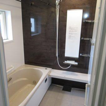 セピア調の浴室でナチュラルな落ち着きのある空間に!札幌市