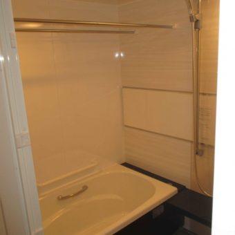 """優美な質感""""鋳物ホーロー浴槽""""で最上級の入浴を満喫!札幌市マンション"""