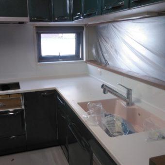 タイル壁からキッチンパネルへ!お掃除ラクラクキッチンに 札幌市