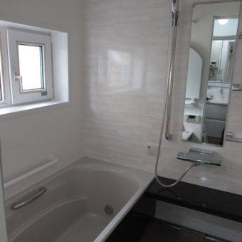 在来工法の寒い浴室を冬場の入浴も暖かくて快適に!札幌市戸建