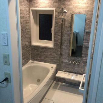 TOTOの床ワイパー洗浄で、日々のお手入れをラクにするバスルームへ!札幌市