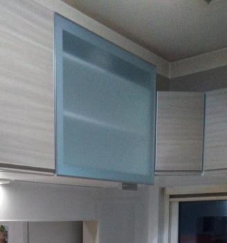 電動昇降吊戸棚