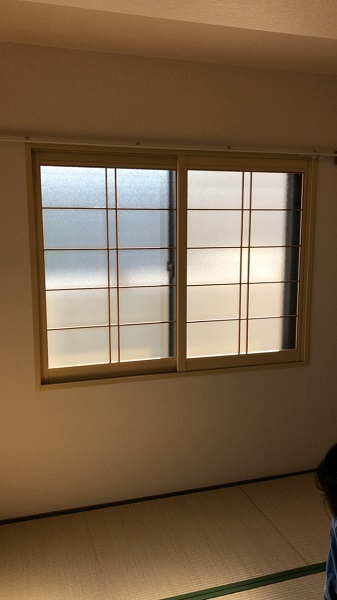 摺り硝子 窓